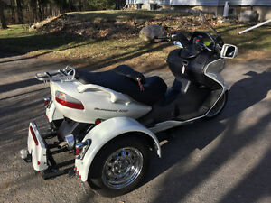 SUZUKI BURGMAN WITH A VOYAGER TRIKE KIT