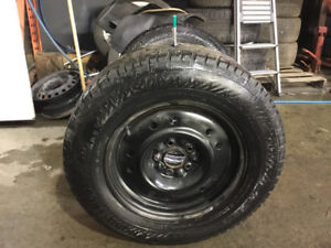 215-70-16 GISLAVED NORD FROST avec JANTES 5x114.3