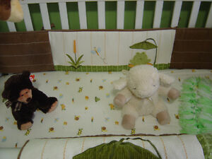 NoJo Froggy Friends crib bedding set complete with mobile Peterborough Peterborough Area image 3