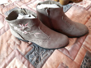 For sale 2 Pair Size 10 Women's Dress boots