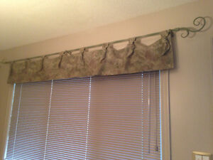 Blinds, rod and valance