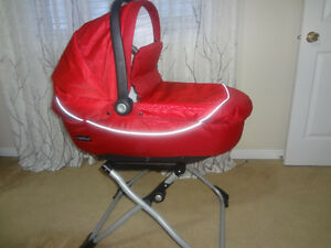 Peg Perego Bassinet with Stand
