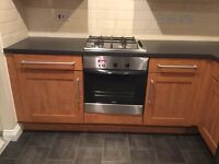 Kitchen base units and worktop
