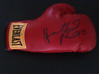 SPORTS COLLECTIBLE AUTOGRAPHED BOXING GLOVE- HOLYFIELD