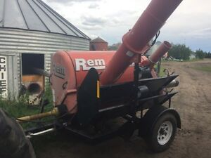 REM 3700 HD Grain Vac 7HRS Like New 10,000 Bus/Hr Strathcona County Edmonton Area image 3