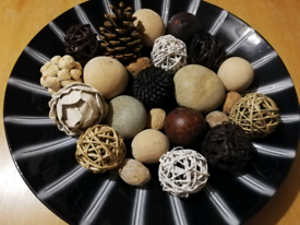 Large plate of decorative ornaments for your living/dining room