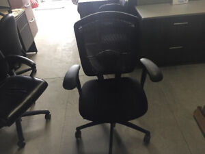 Used office chairs tekneion contessa steelecase leap zody