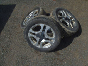 2004 saturn ion 3 tire size