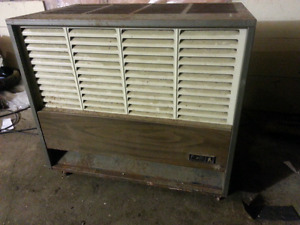 Gas furnace/heater with pipestack