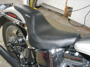 Selle et pieces pour Harley Softail 2000-2006