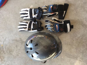 Wakebord Helmet & gloves