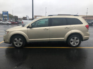 2011 Journey Sxt. AWD.  ONE OWNER. VERY CLEAN NO RUST