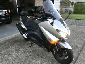 2016 Tmax 530 cc scooter