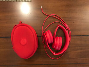 Solo HD Beats by Dr. Dre, red