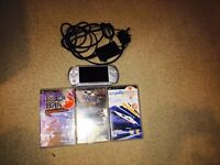 PSP 3000 Silver + 3 Games