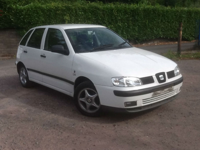 seat ibiza 1 4 2002my chill white long mot 104 k in newport gumtree. Black Bedroom Furniture Sets. Home Design Ideas