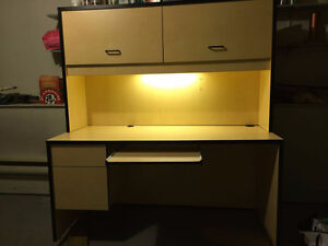 solid computer desk with filling cabinet included West Island Greater Montréal image 1