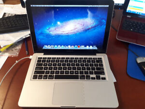 "13"" Mid-2009 MacBook Pro + 8 GB + 750 GB"