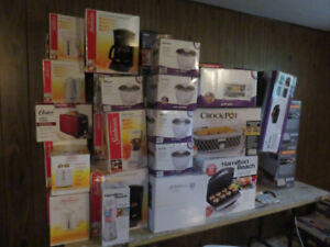 SELLING A LOT OF SMALL APPLIANCES & BLOW UP MATTRESS'S