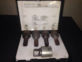 Vauxhall alloy security locking wheel bolts nuts