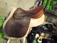 "17"" English Saddle"