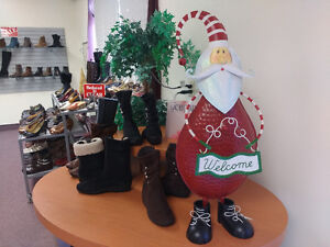 Shoe Store Closing. All Shoes/Store fixture must go! FINAL WEEK! Windsor Region Ontario image 5