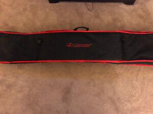 Lamar snowboard.