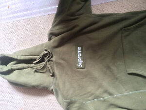 Supreme Hoodie Size L Olive Doesn't Fit Me