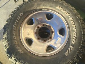 2 rims and 2 tires LT285/70R17 285 70 17 8 bolt rims