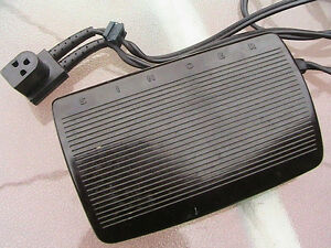 Singer foot pedal. Speed controller Original part made in Canada