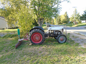 Ford 1947 N8 Tractor