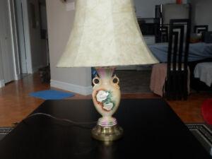 Lampe vintage en porcelaine