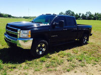 2009 Chevrolet 2500 HD Duramax 4WD Crew Cab - New Tires