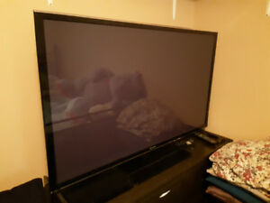 Panasonic smart tv very good condition asking 700.00