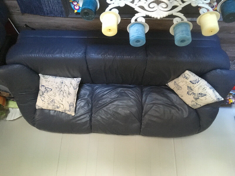 Couch And Love Seat | Couches & Futons | Nanaimo | Kijiji