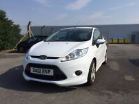 STUNNING EXAMPLE OF 2011/61 FORD FIESTA ZETEC S 1.6 TDCI DIESEL IN ICE WHITE