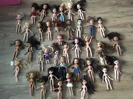39 Bratz Dolls