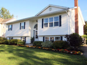 BEAUTIFUL FAMILY HOME NEXT TO KEN-WO GOLF CLUB {private sale}