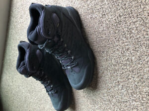 THE NORTH FACE HIKING BOOTS BRAND NEW