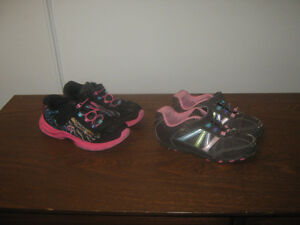 Girls foot wear Cambridge Kitchener Area image 3