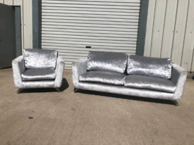 Silver crushed velvet 3 +1 seater sofas couches suite 🚚🚚