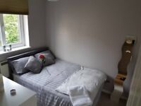 Small double room in quiet flat
