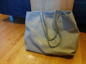 Large Roots Leather Tote Bag - Great Condition