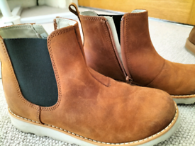 Clarks ankle boots size 13.5g
