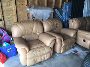 3 pieces leather couch and sofa $650 if picked up today