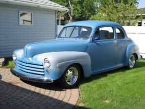 1947 Ford 5 passenger coupe