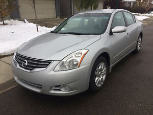Super Clean 2012 Nissan Altima 2.5S Xtronic-Accident Free-Low Km