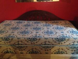 twin mattress / boxspring $160  749-1585
