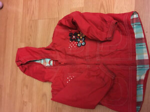 Manteau rouge gr 2ansmarque mini boss