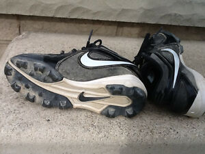 Nike Baseball Cleats/Shoes – Child Size 12 or Child Size 13 Kitchener / Waterloo Kitchener Area image 1